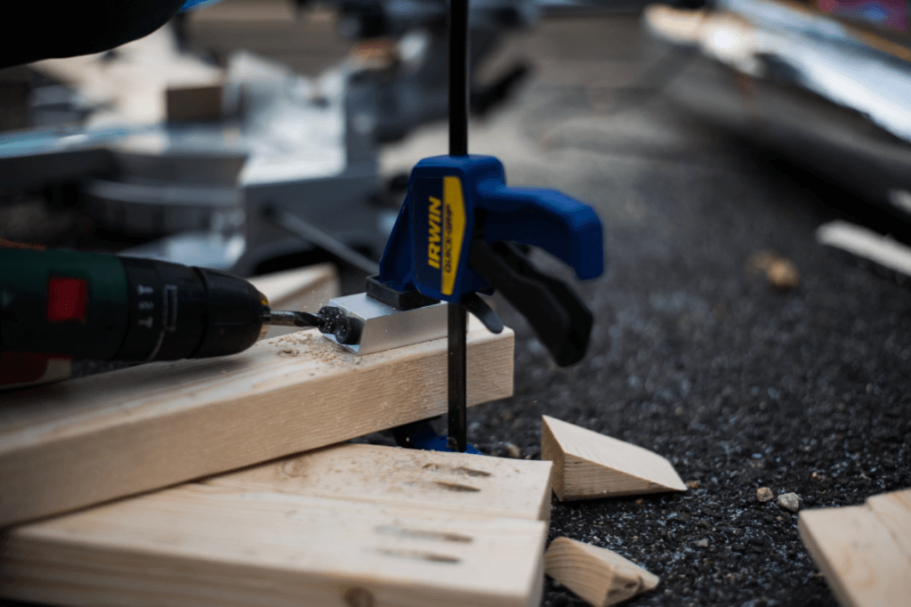 drilling with a pocket hole jig and a quick grip clamp
